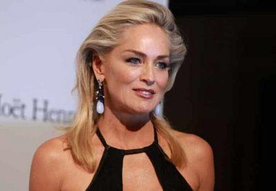 Sharon Stone nuk e njeh plakjen/ Duket sa gjysma e moshës së saj (FOTO)