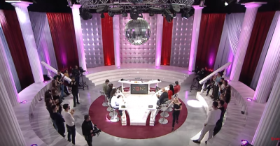 Shokohet publiku/ Dy këngëtarët e famshëm shqiptarë janë binjakë: 'Prindërit na ndanë'