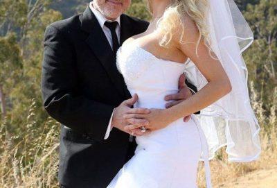 Aktorja e njohur merr kot pas divorcit, filmon veten komplet lakuriq (FOTO)