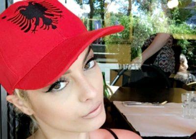 """Bebe Rexha thyen rekord në """"Billboard Hot 100""""/ Ja çfarë vendi klasifikohet"""