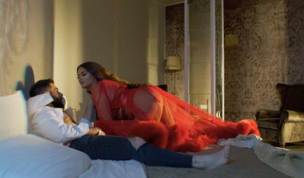 Videoklipi sensual i Encës, a është ky modeli që duhet të ndjekin vajzat e reja?