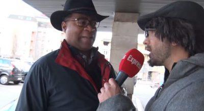 Gjiko maskohet si gazetar, por i ndodh e papritura me afrikano-amerikanin (VIDEO)