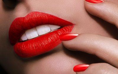 8 mënyra si mund ta përdorni buzëkuqin për grim (VIDEO)