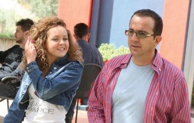 Dikur në krah të Ardit Gjebreas, sot e lumtur me jetën familjare. Burri e hoqi nga emisioni sepse…