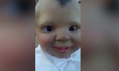 Kukulla vampire që po tmerron njerëzit në internet – VIDEO