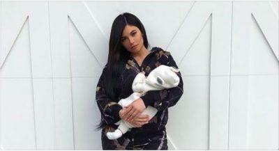 Ju prezantojm Stormi Webster: E vogla e Kylie-t bën selfien e parë në Snapchat