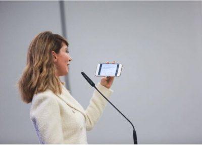 Majlinda Bregu tregon këngën e saj të preferuar dhe mbetet pa… (VIDEO)