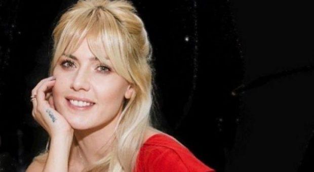 Nuk e keni parë mamin e Olta Gixharit…?! Aktorja publikon FOTO me 'binjaken' e saj