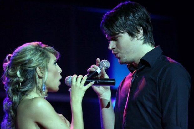 Alban Skënderaj së shpejti me këngë të re, Miriami bën komentin epik: Më në fund për… (FOTO)