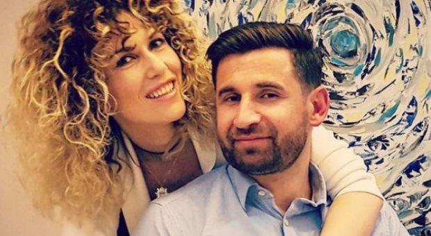 Bashkëshorti i moderatores shqiptare kafshohet nga qeni…ajo ka një thirrje për Erion Veliajn!