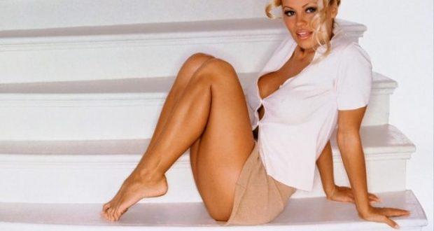 Këtë me siguri nuk e keni ditur! Pamela Anderson në adoleshencë besonte se kishte fuqi mbinatyrore… (FOTO)