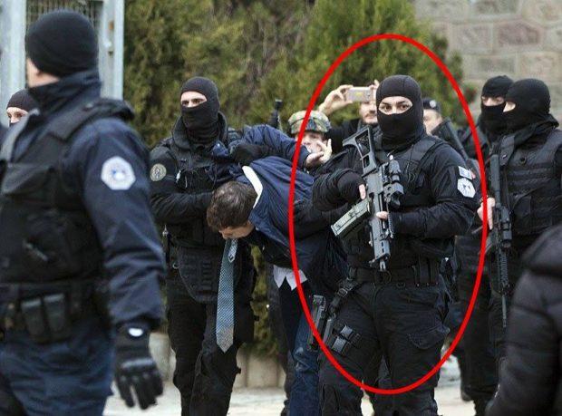 """Çfarë ZHGËNJIMI/ """"Polici"""" shqiptar që çmendi vajzat në rrjetet sociale është femër (FOTO)"""