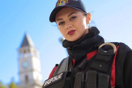 Kush tha që policia është vetëm për burra?! Njihuni me policet më seksi shqiptare dhe jo vetëm (FOTO)