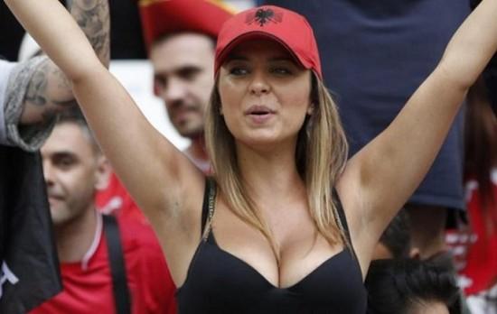 Çfarë po ndodh me Rike Roçin?! Shikoni si është katandisur bukuroshja shqiptare që çmendi tifozët