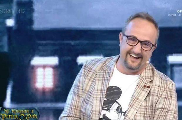 """""""A je bërë synet?"""", plas gallata LIVE me Saimir Kodrën në """"Piter Pan"""""""