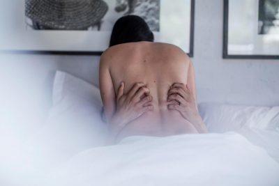 """""""Nëna më kapi duke bërë seks me kolegen, ajo që më ka bërë është shumë e rëndë"""""""