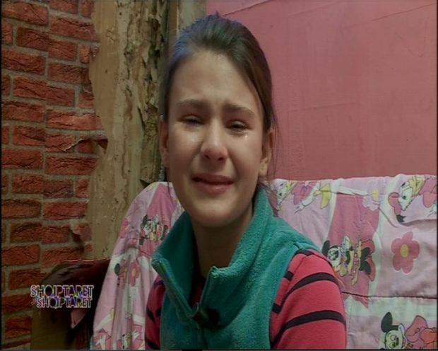 VIDEO/ Nënë e bijë tronditën me historinë, nga sot për to s'do të ketë më lot. Ja surpriza