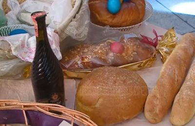 """Vigjilja e Pashkës, njihuni me ritet e katolikëve në pritjen e ditës së """"Ringjalljes"""""""