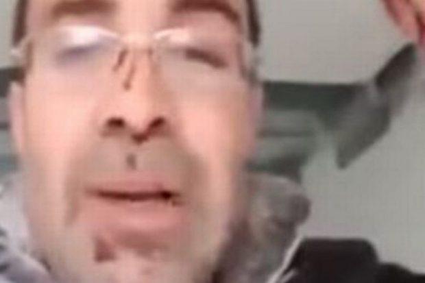 Vrasja makarbre/ Ther ish-gruan dhe del në video live, i biri vë ulërimat kur sheh ç'ka bërë