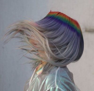 FOTO/ Kjo ngjyrë flokësh është më magjikja që ju kanë zënë sytë!