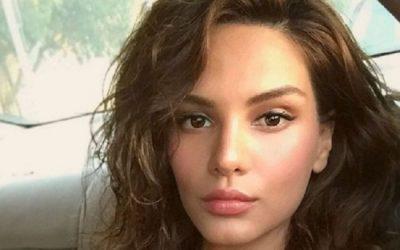 Me këtë make-up të tillë nuk e keni parë kurrë Almeda Abazin. Nuk do e besoni…. (FOTO)