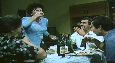 Gjithë 'çuditë' që ndodhin kur shkon si vizitor në një familje shqiptare