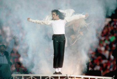 Dalin në ankand këpucët e famshme të Michael Jackson, ja sa është çmimi i tyre (FOTO)