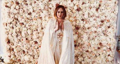 """Surprizon këngëtarja Adele: """"Martova dy miqtë e mi më të mirë, Alanin dhe partnerin e tij."""""""