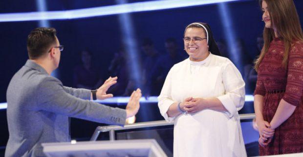 Kush është murgesha që fitoi miliona në ekran, ku do të shkojnë paratë e fituara