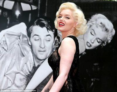 Dublim dixhital i ikonës së Hollywood/ Marilyn Monroe 'kthehet në jetë' për një film të ri