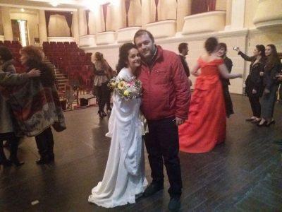 """""""U njohëm në Facebook!"""" Sopranoja shqiptare rrëfen historinë e dashurisë me gazetarin"""
