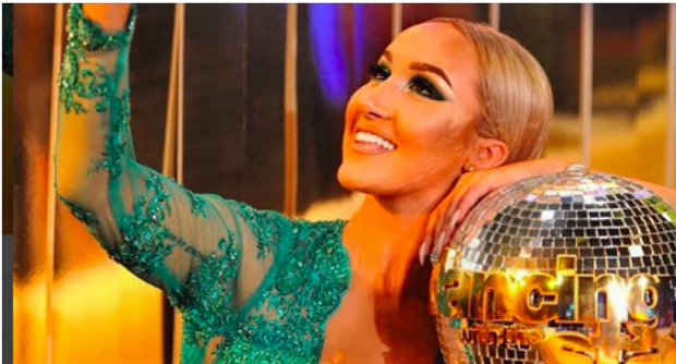 """""""Qava në skenë, faleminderit që më mësove të dashuroj"""": Adela publikon mesazhin privat të konkurrentit të """"DWTS"""""""