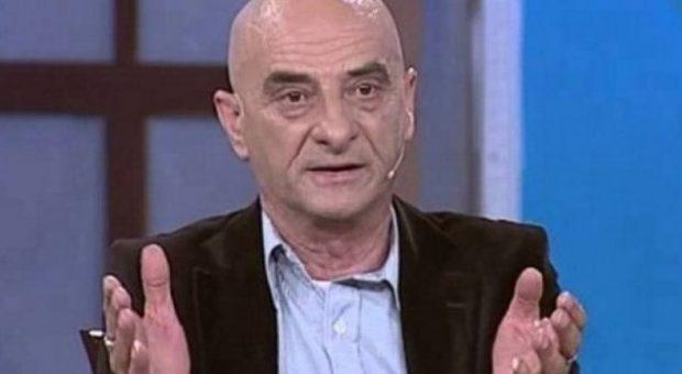 Me grua dhe dashnore, aktori shqiptar i humorit që ka tradhëtuar bashkëshorten dhe ajo… (FOTO)