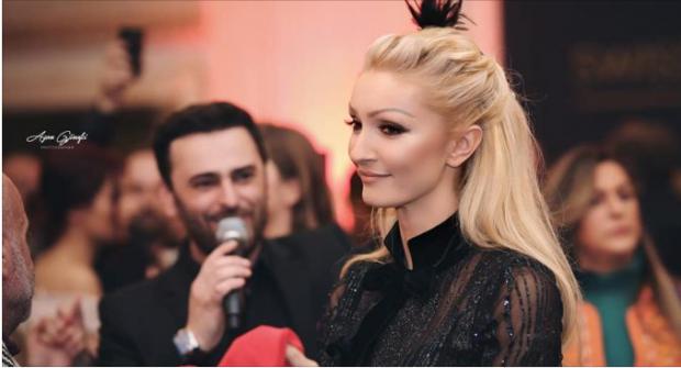 PRET FËMIJËN E NJË BASKETBOLLISTI/ Modelja shqiptare flet rreth shtatzanisë së saj (VIDEO)