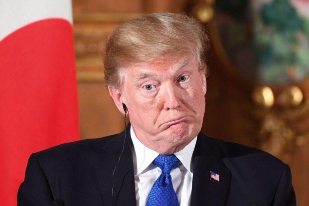"""Fotografia që """"po çmend"""" rrjetin…pas bombardimeve në Siri, Trump """"vjen"""" në Shqipëri"""