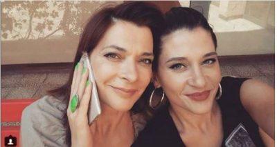 Marrëdhënia nënë e bijë e Sarës dhe Emës: Zënkat janë shumë të forta por pajtimet më të lezetshme