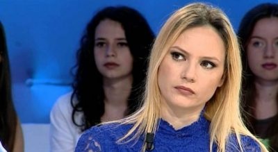 Aktorja shqiptare tregon vështirësitë e profesionit: Dominojnë meshkujt, por për sukses femrat bëhen të…
