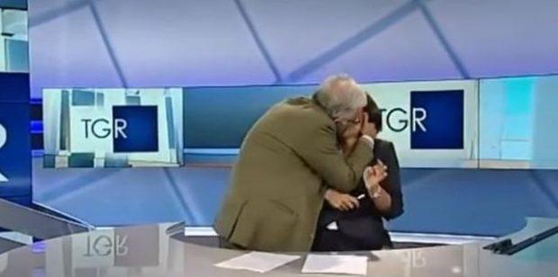 """""""Ma hoqe trurin"""", i ftuari nuk përmbahet puth në buzë papritur gazetaren (VIDEO)"""