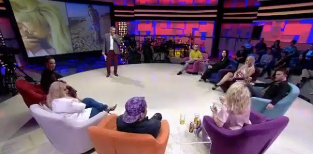"""Moderatorja shqiptare e pranon LIVE në emision: """"Jam një injorante e dashuruar"""""""