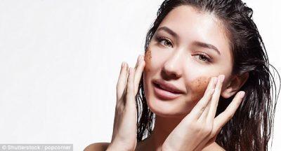A e dini se si të pastroni fytyrën tuaj? Ekspertët paralajmërojnë se… (VIDEO)