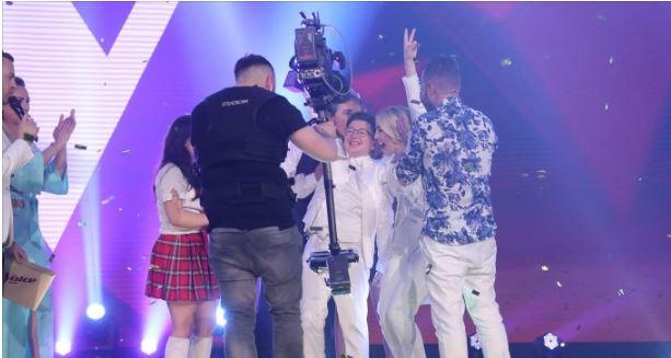 """Denisi rrëmbeu trofeun e madh të """"The Voice Kids"""", Miriam Cani ka dy fjalë për ti thënë: Sa e lumtur dhe… (FOTO)"""