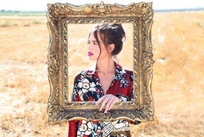 Motra modele e Dren & Art Abazit i hyn moderimit, i besohet emisioni me 12 personazhe të famshëm