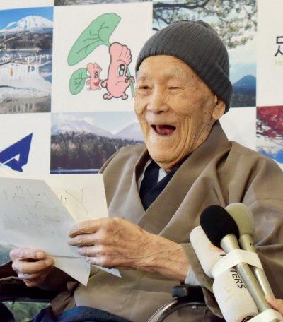 Njihuni me njeriun më të vjetër në botë! A e gjeni dot moshën e tij?