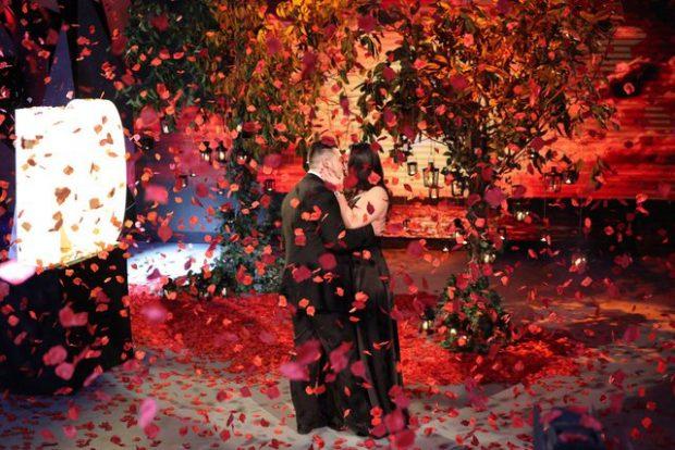 Si në filma! Prindërit nuk ishin dakord, shqiptarja merr propozimin më fantastik për martesë!