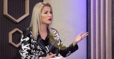 Pasi u tall me pastruesen, fansat KRYQËZOJNË Roza Latin! Reagon moderatorja: Injoranca dhe papunësia… (VIDEO)