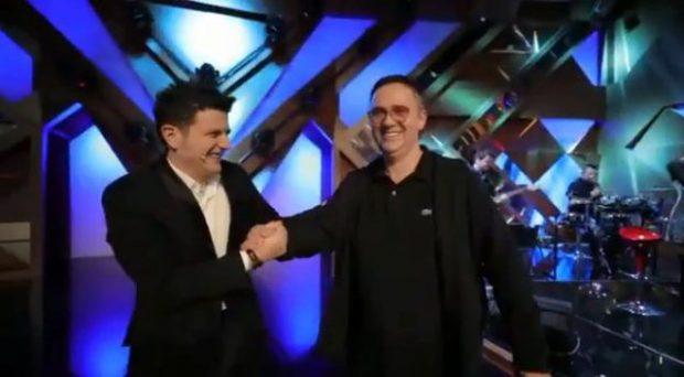 Si duket Ermal Mamaqi si moderator? Përgjigja e Saimir Manes nuk pritej: Ça të të… (VIDEO)