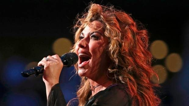 Shokon këngëtarja e famshme: Jam abuzuar seksualisht nga njerku