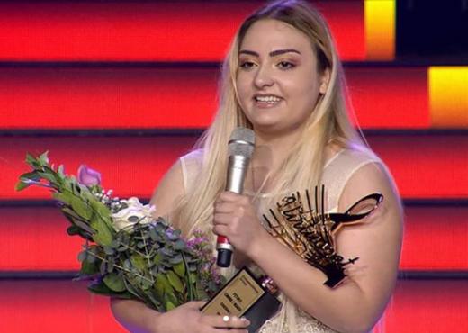 Ja kush e mban kupën e VIRTUOZVE/ Shpallet fituese Laura Llozi