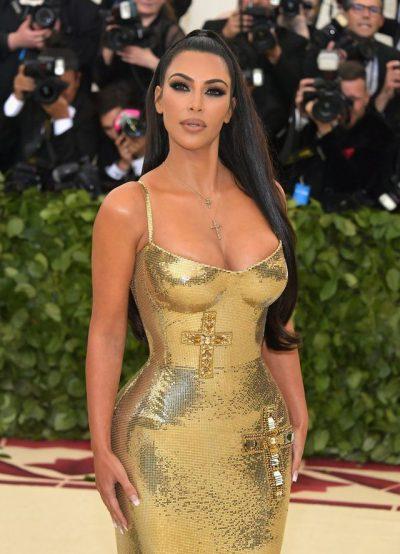 """""""Një perëndeshë prej floriri""""/ Kim i la të gjithë pa fjalë në Met Gala"""