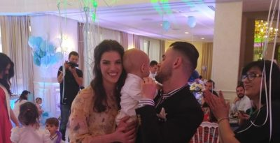 Nipi i Bamir Topit mbush 1-vjeç/ Në festën e veçantë edhe Armina Mevlani me… (FOTOT)
